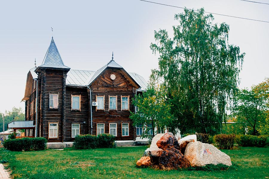 Старинный особняк, дом Антуана Баласа – одна из основных достопримечательностей города, музей, в котором хранятся уникальные предметы из истории Пласта.