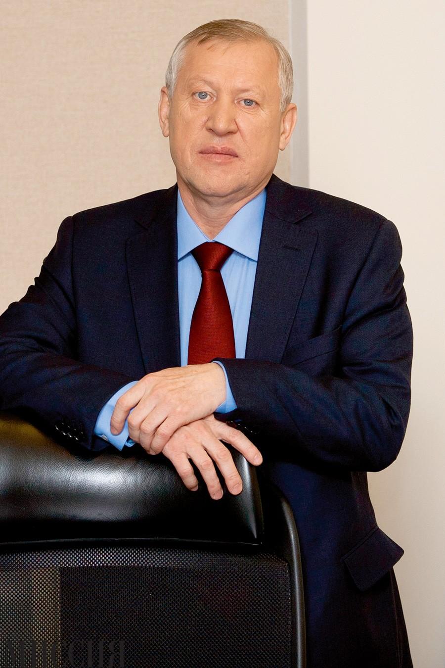 Евгений Тефтелев
